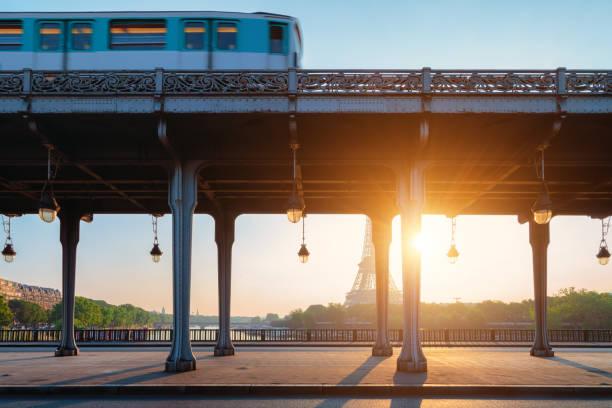 Metro Paris bei Sonnenaufgang – Foto