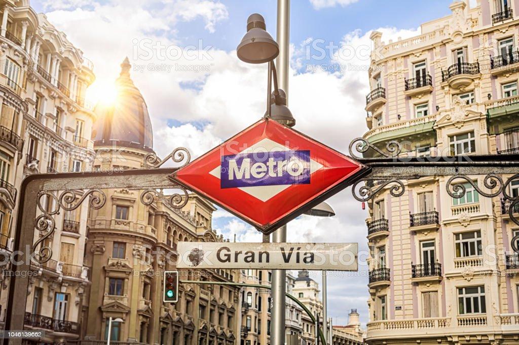 U-Bahn-Schild Gran Via in Madrid – Foto
