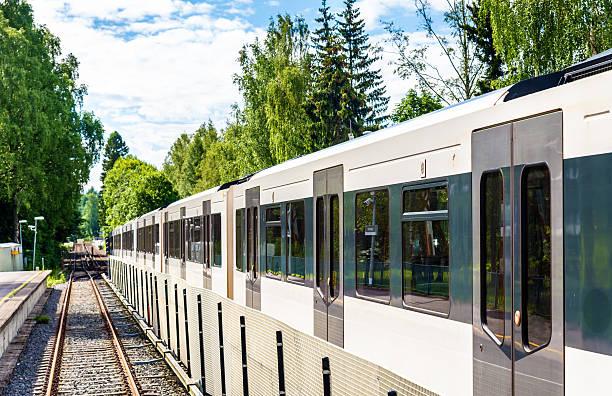 metro train at sognsvann station in oslo - subway foto e immagini stock
