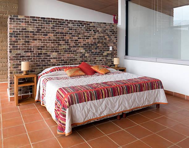 mexikanische schlafzimmer - mexikanische möbel stock-fotos und bilder
