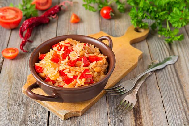 Mexikanische Küche: Reis mit Paprika, Zwiebeln und kidney bean – Foto