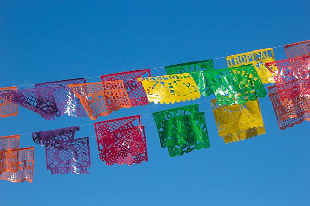 decorativos mexicana periódicos - bandera mexico fotografías e imágenes de stock