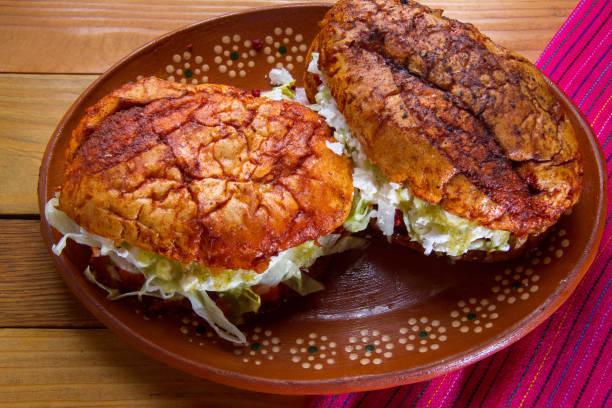 mexikanische pambazos - wurst käse dips stock-fotos und bilder