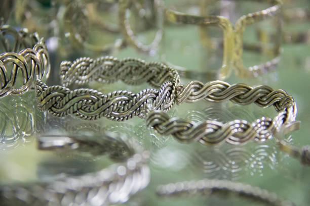 mexikanisches silber bracelette display-8 - canda armband stock-fotos und bilder