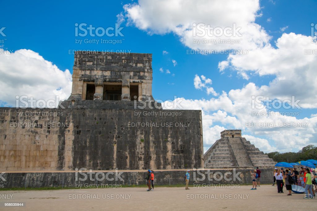Mexico, Chichen Itzá, Yucatán. Chichen Itzá, Yucatán. Mayan Great Ball court and Temple of Jaguar. stock photo