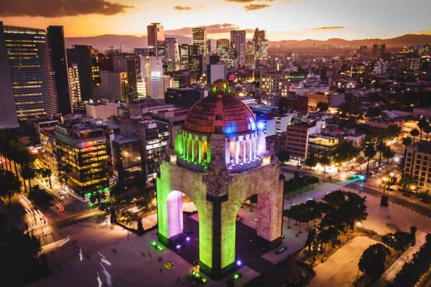 Mexiko-Stadt, Mexiko, Aerial View der Plaza De La República in der Abenddämmerung – Foto