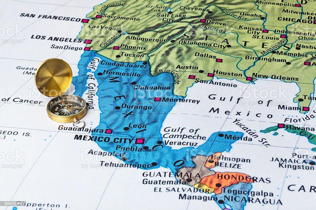 México mapa e uma bússola - foto de acervo