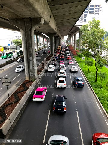 Peripheral boulevard, south section, at rush hour