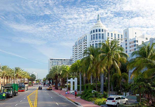 Miami Beach. Collins Avenue. – Foto
