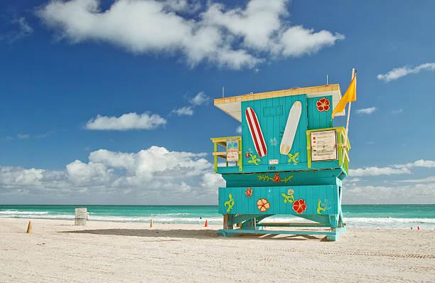 miami beach lifeguard house - badvaktshytt bildbanksfoton och bilder