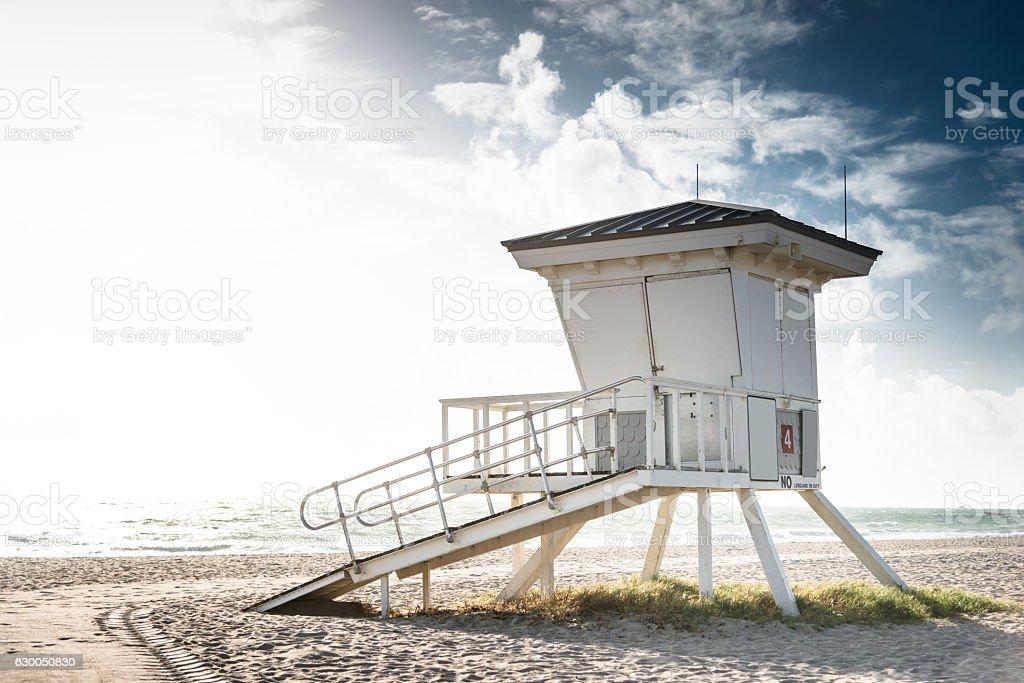 miami beach Ratownik hut na piaszczystej plaży – zdjęcie