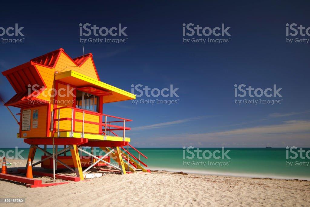 Miami Beach orange lifeguard station – zdjęcie