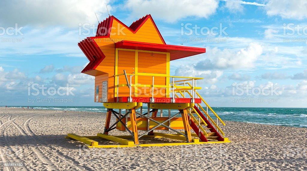 Miami Beach Sun Shaped Lifeguard Hut Art Deco Style – zdjęcie