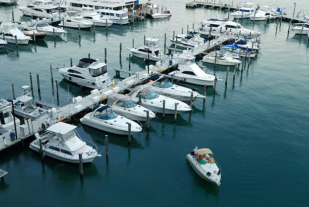 miami marina view of a miami marina, beside the venetian causeway mooring stock pictures, royalty-free photos & images