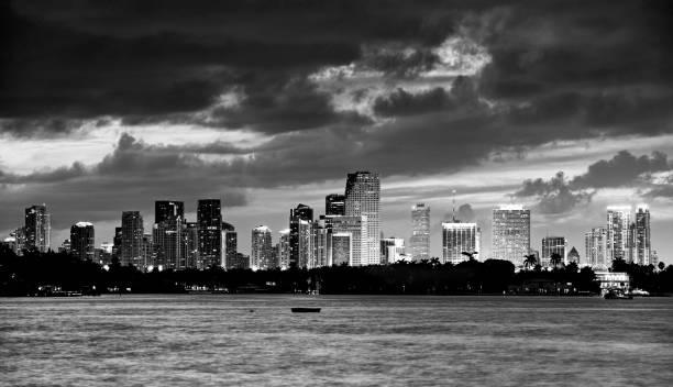 Miami Skyline in the Night. – Foto