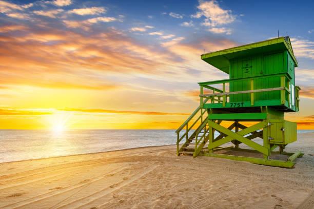 miami south beach sunrise - badvaktshytt bildbanksfoton och bilder