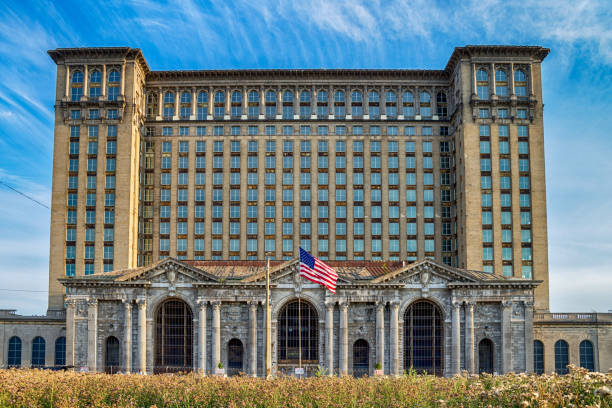 Michigan Central Railway Station Michigan Central Railway Station in Detroit, USA detroit michigan stock pictures, royalty-free photos & images