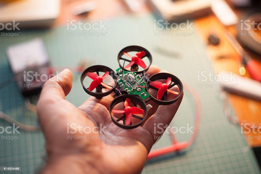 micro drone in hand – Foto