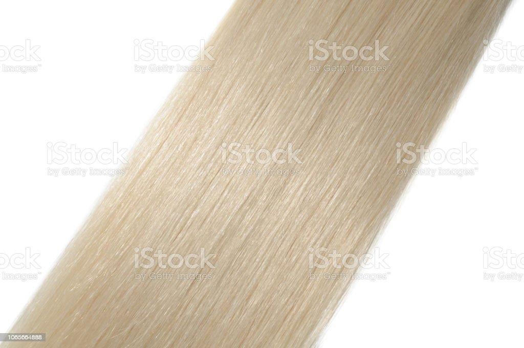 anillo de micro extensiones de cabello humano rubio recta - foto de stock