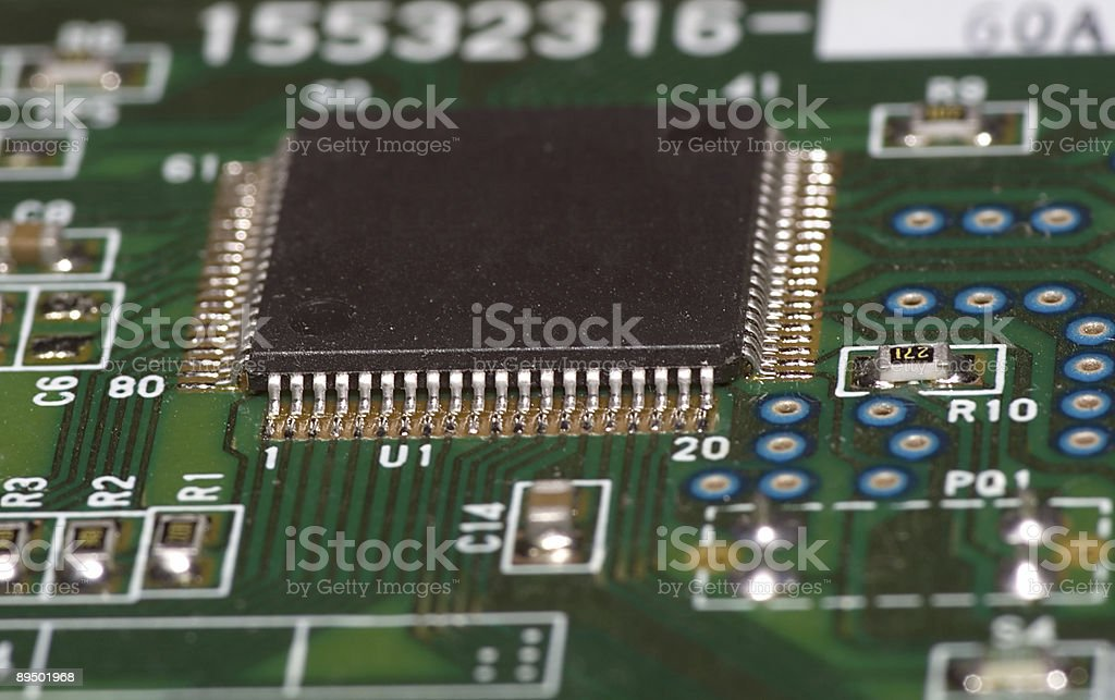 microchip on green board royaltyfri bildbanksbilder