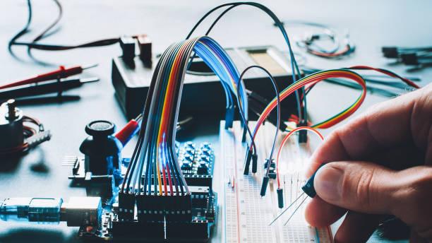 microcontrolador de hardware de tablero electrónico - foto de stock