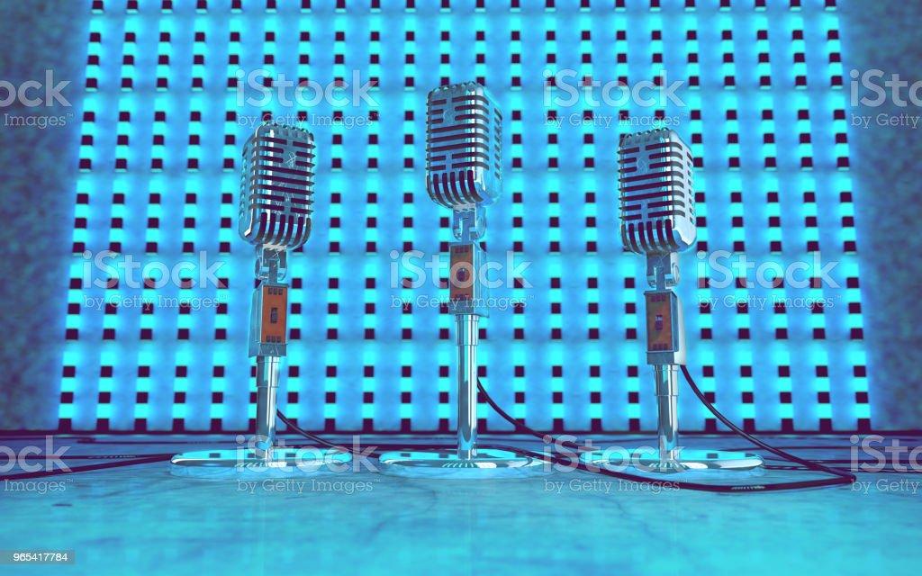 """Mikrofon und Bühne leuchtet. Konzert und Musik concept.3d Illustration """"n - Lizenzfrei Atelier Stock-Foto"""