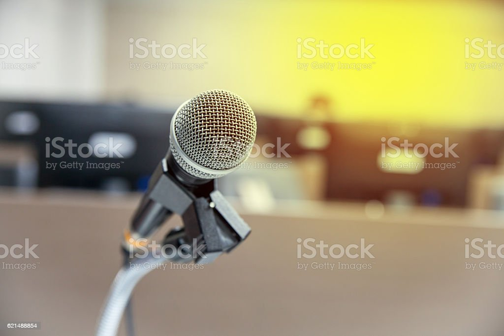 Microphone soft focus on blur abstract background foto stock royalty-free