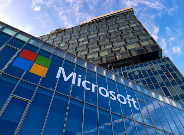 microsoft headquarters in bucharest, romania - big tech foto e immagini stock