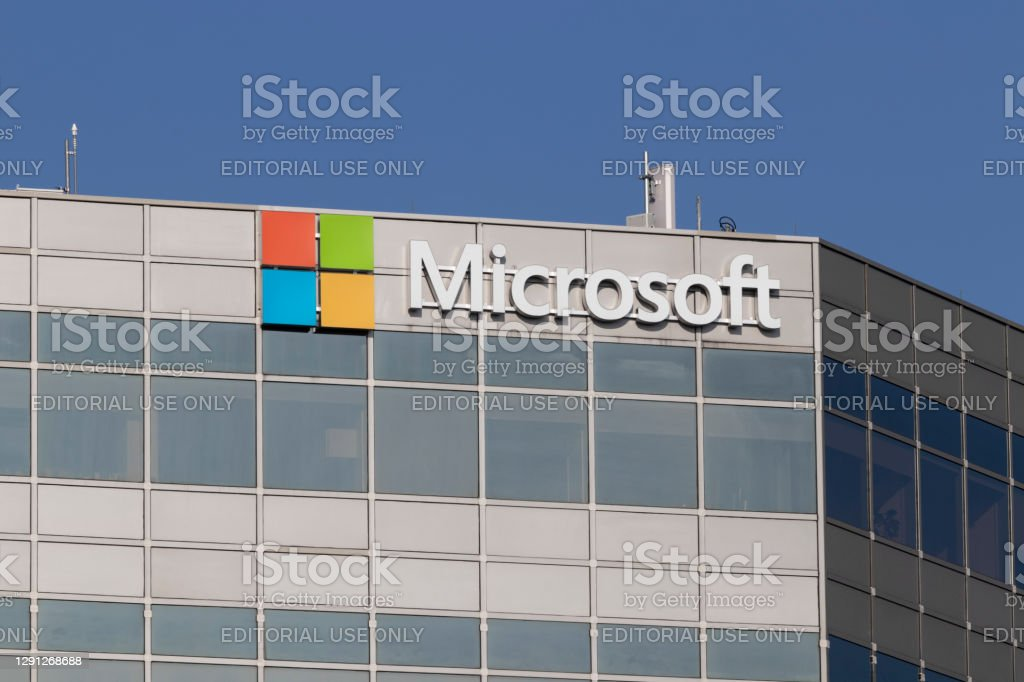 Microsoft Sales office. Microsoft plans for a future beyond the XBOX, Surface and cloud computing. Blue Ash - Circa November 2020: Microsoft Sales office. Microsoft plans for a future beyond the XBOX, Surface and cloud computing. Business Stock Photo