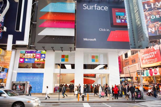 microsoft times square new york city - microsoft windows stock-fotos und bilder