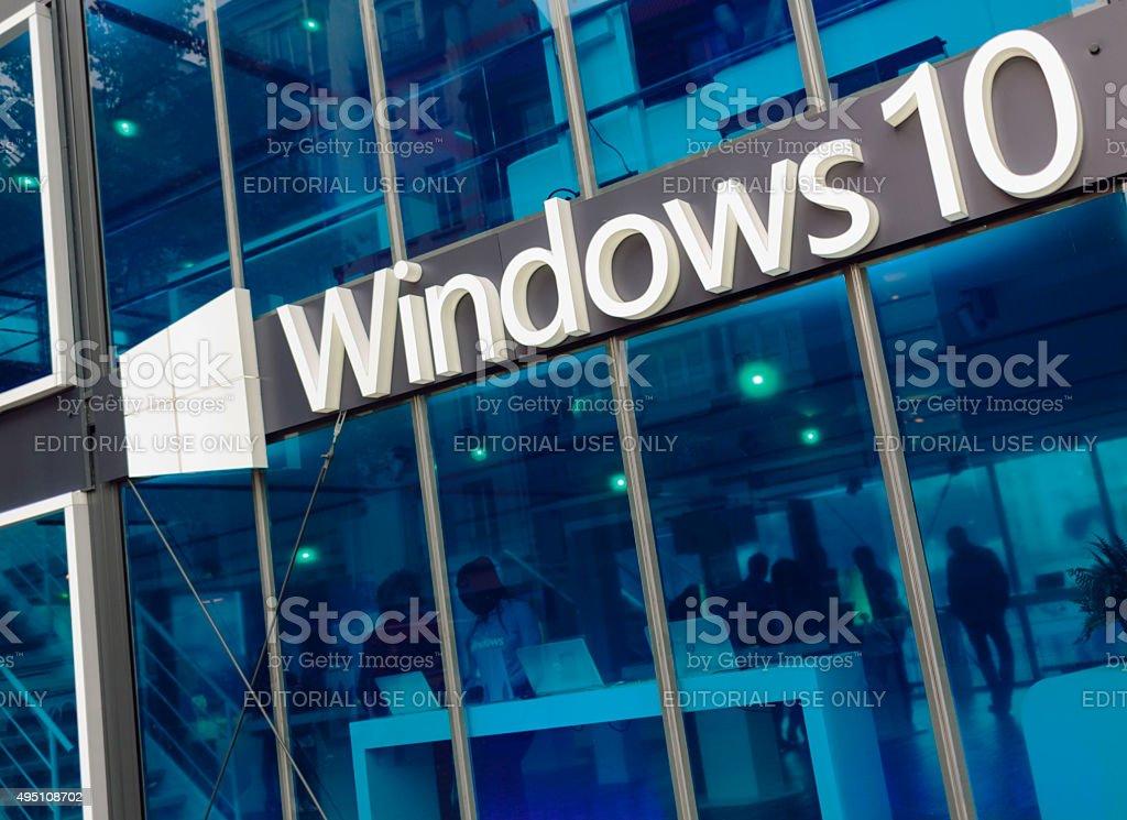 Pabellón de promo Microsoft Windows 10 - Foto de stock de 2015 libre de derechos