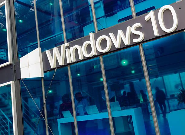 "microsoft windows 10 pavilion"""" - microsoft windows stock-fotos und bilder"
