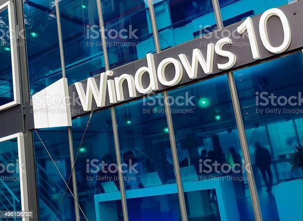 Pabellón De Promo Microsoft Windows 10 Foto de stock y más banco de imágenes de Microsoft Windows