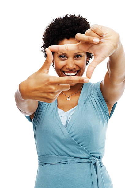 Mitte Erwachsene Frau Gestikulieren hand-frame auf weißem Hintergrund – Foto