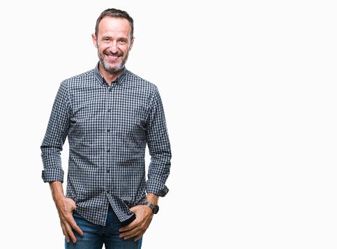 Middelbare Leeftijd Hoary Senior Man Over Geïsoleerde Achtergrond Met Een Gelukkig En Cool Glimlach Op Het Gezicht Gelukkig Persoon Stockfoto en meer beelden van Alleen mannen