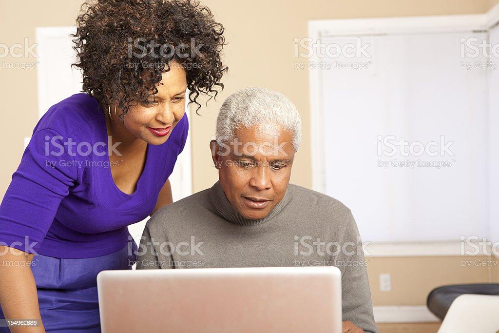 Auf dem Computer – Foto