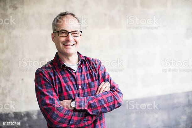 Middle aged man smiling and looking at camera picture id613750746?b=1&k=6&m=613750746&s=612x612&h=8yk4glwgrmlb1wwnqmyoveydlmu7eupbneykzwmnom0=