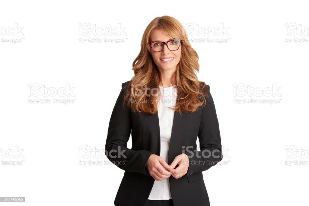 Portrait de femme d'affaires souriant d'âge moyen - Photo