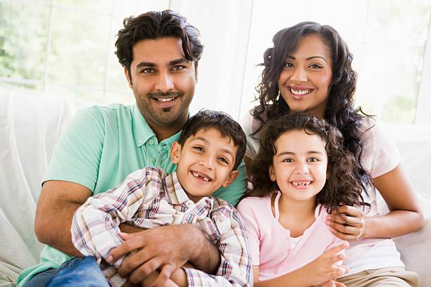 middle eastern familie - arabeske stock-fotos und bilder