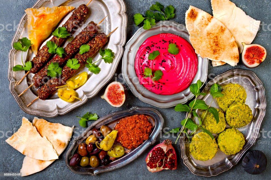 Arabische Küche   Nahen Ostens Traditionelles Abendessen Authentische Arabische Kuche