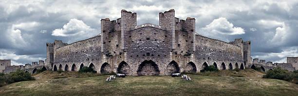 Mighty Medieval City Wall defences. Panorama bildbanksfoto