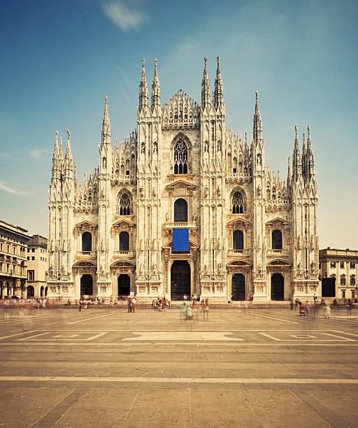 milan cathedral and piazza del duomo - katedral bildbanksfoton och bilder