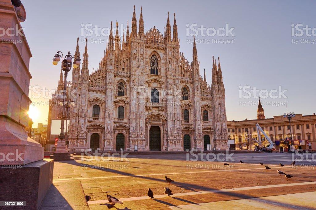 Cathédrale de Milan au lever du soleil - Photo