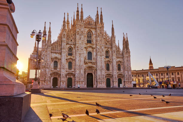 Milan Cathedral at sunrise - foto stock