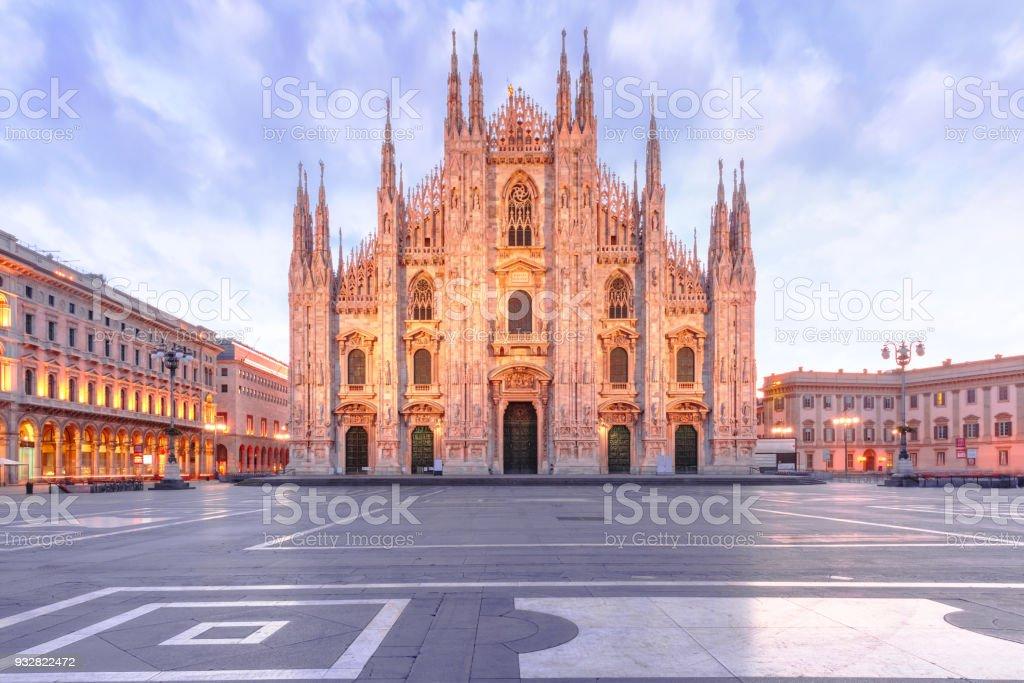 Cathédrale de Milan sur la Piazza del Duomo, Milan, Italie - Photo