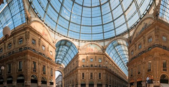 Milan Galleria Vittorio Emanuele II panorama