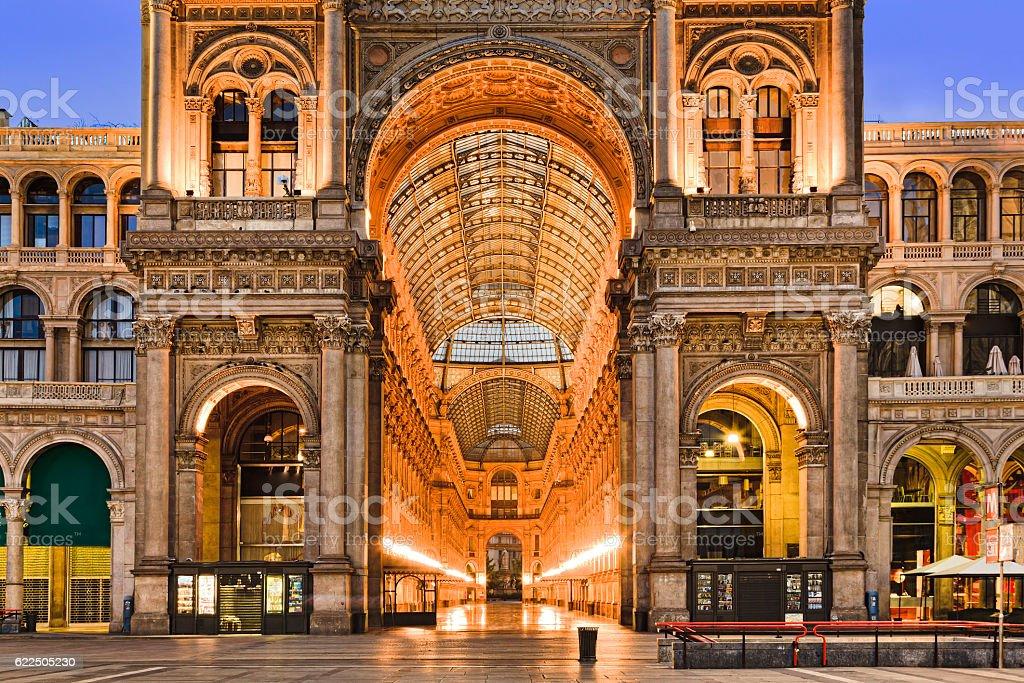 Milan Gallery Entrance Close - Photo de Affaires Finance et Industrie libre de droits