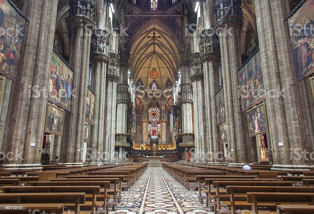 Milan-Main nef du Duomo et de la cathédrale - Photo