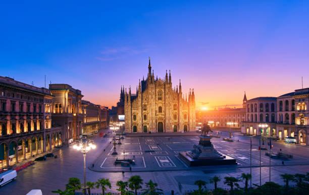 milan piazza del duomo at sunrise, italy - milano foto e immagini stock