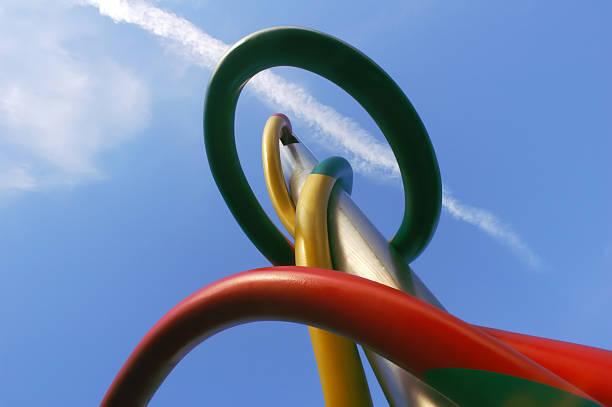 Milano: Struttura in acciaio di colore - foto stock